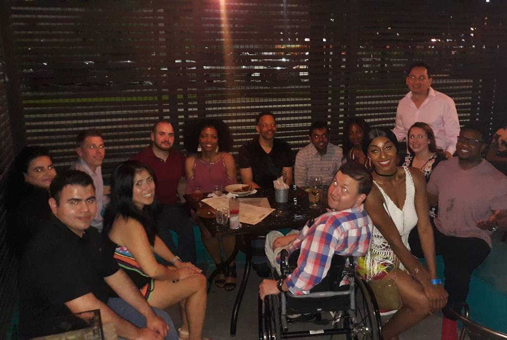 Detroit Speed Dating for 20s, 30s and 40s, single women are meeting single men and having fun time